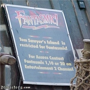 Sign That Tom Sawyer Island Is Closed To Prepare For Fantasmic