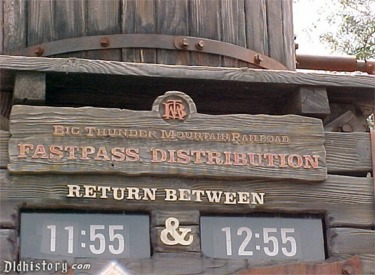 Fastpass Return Sign