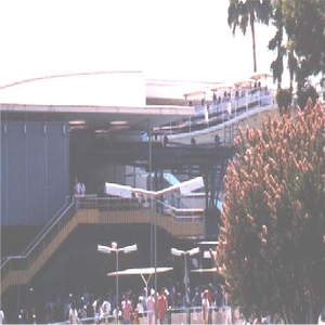 PeopleMover Exiting Carrousel Building
