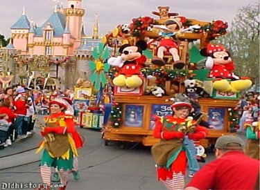 Pinocchio Float And Elves