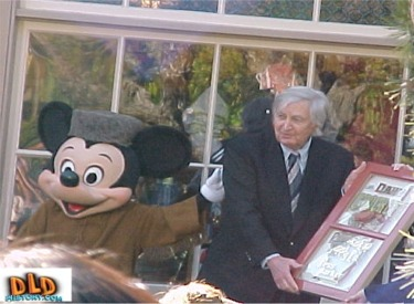 Fess Parker Receiving A Window Dedication Plaque From Mickey Mouse