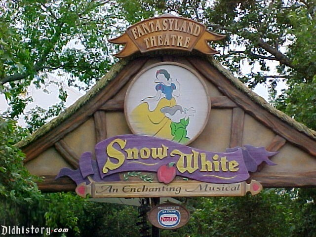 Snow White An Enchanting Musical