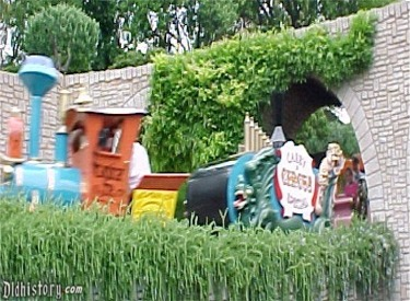 Casey Jr. Circus Train Coming Through Underpass