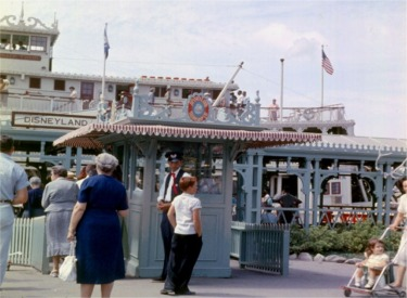 Mark Twain At Dock And Ticket Booth