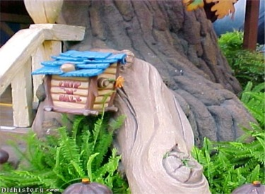 Chip 'N Dale Mail Box
