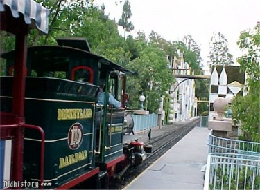 Fred Gurley Arriving At Toon Town Station