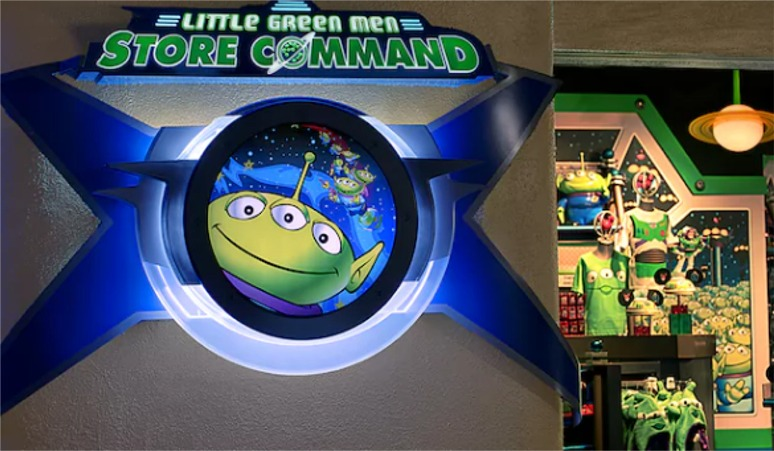 Little Green Men Store Command
